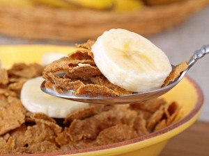Add bananas to your breakfast and make the most of this superfood (Image source: prevention.com)